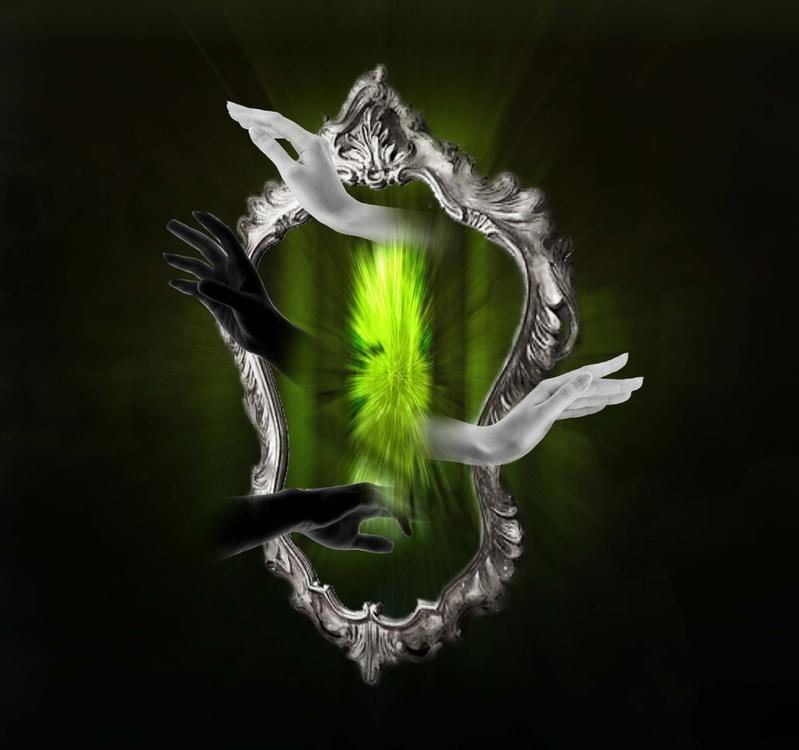 mani specchio verde.jpg